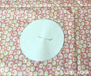 Übertragung vom Papierkreis auf den Stoff